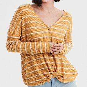 AE yellow waffle knit plush tie front thermal M